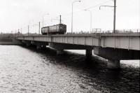 関屋分水|交通線