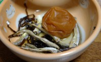酢と小魚と梅干と昆布